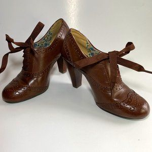 American Eagle Brown Lace up Granny Shoes Sz 6